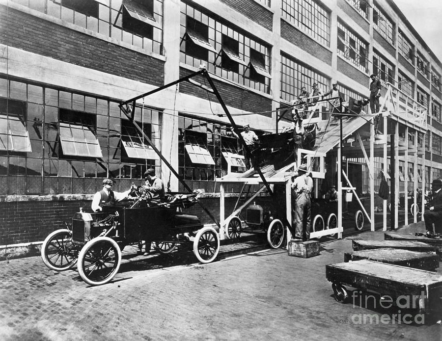 Ford Motor Company Assembles Photograph by Bettmann