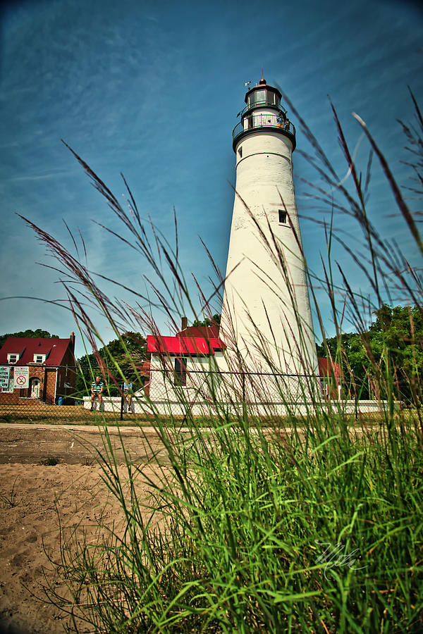 Fort Gratiot Lighthouse by Meta Gatschenberger