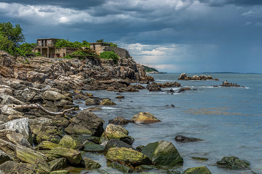 Fort Williams Remains  by Tony Pushard