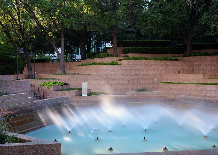 Fort Worth Water Gardens 91719 by Rospotte Photography