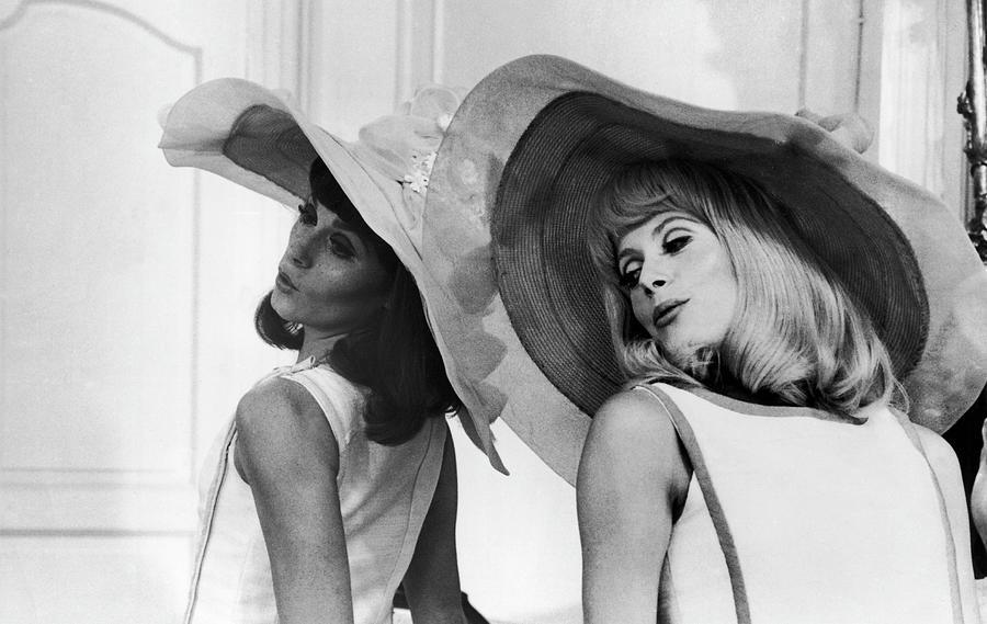 Francoise Dorleac And Catherine Deneuve Photograph by Keystone-france