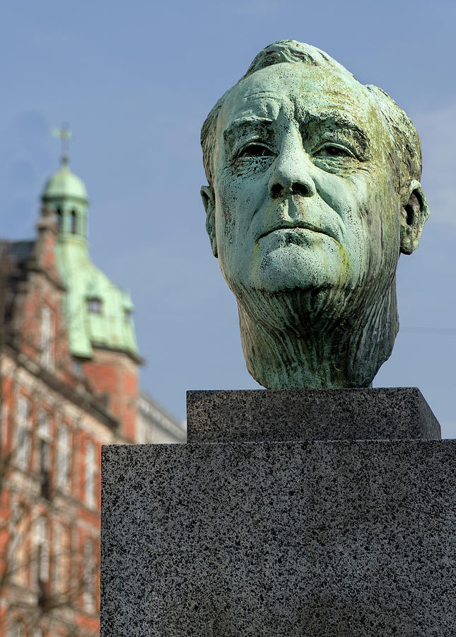 Franklin D. Roosevelt Monument in Copenhagen by Phil Cardamone