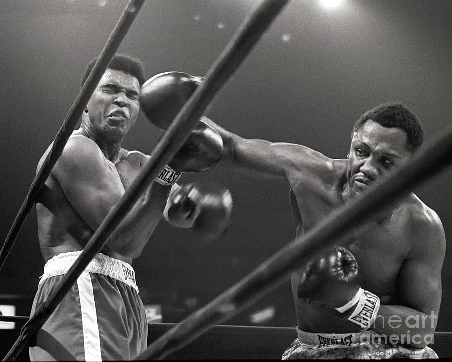 Frazier Beats Ali Photograph by Bettmann
