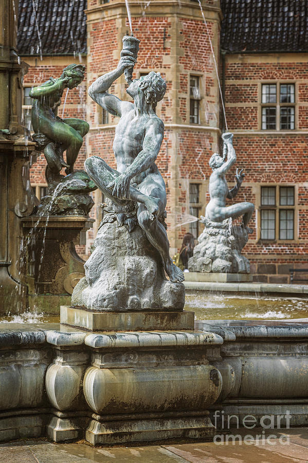 Frederiksborg castle fountain by Sophie McAulay
