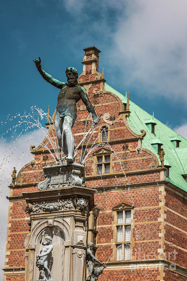 Frederiksborg castle fountain statue by Sophie McAulay