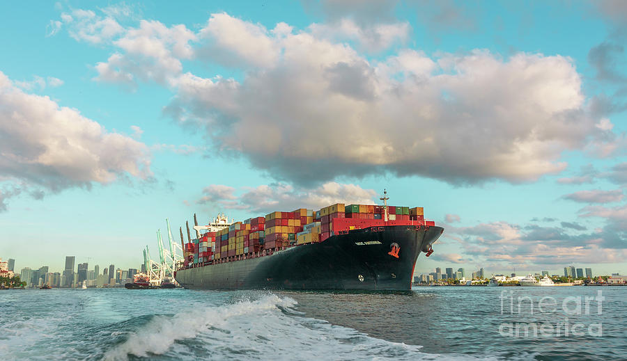 Cargo Ship E.r. Tianping Photograph