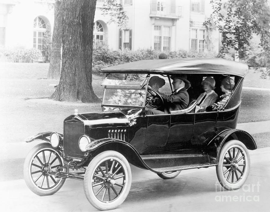 Friends Driving In 1923 Ford Model T Photograph by Bettmann