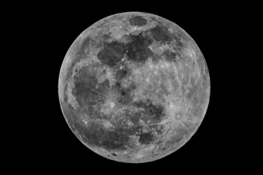 Full Moon by Bob Decker