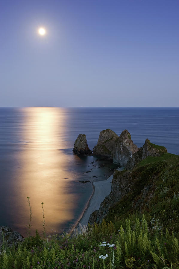 Full Moon On Cape Four Rocks Photograph by V. Serebryanskiy