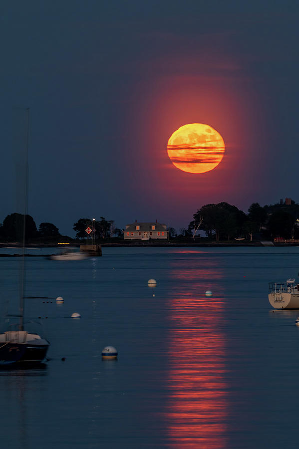 Full Strawberry Moon Rise by Darryl Hendricks