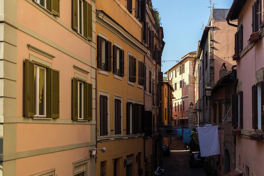 Gallivanting Around in Rome Italy - Real Life in Trastevere by Georgia Mizuleva