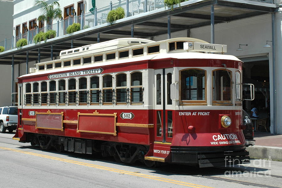 galveston-trolley-bernd-billmayer.jpg