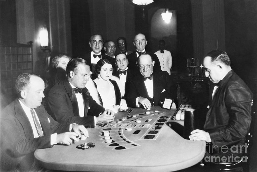 Gamblers Playing Cards At Havana Casino Photograph by Bettmann
