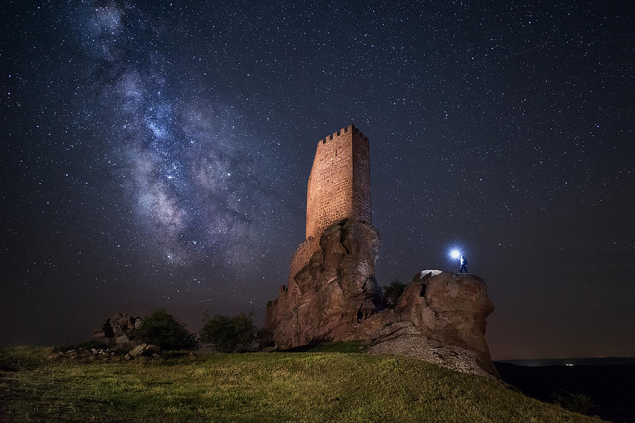 Night Photograph - Game Of Thrones by Iván Ferrero