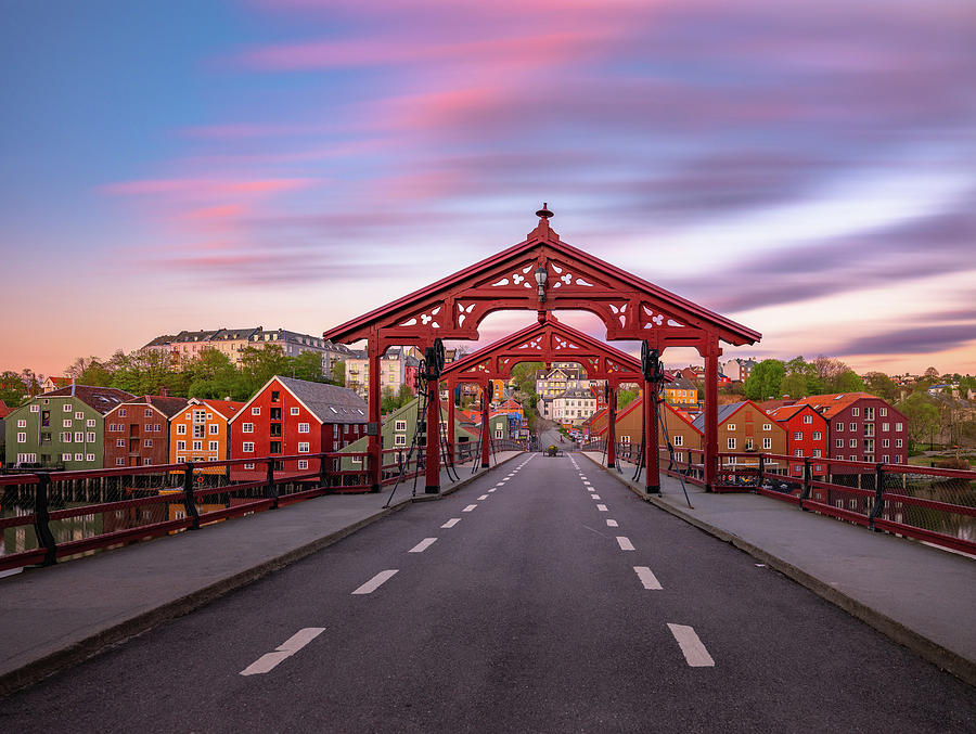Gamlebybro and bakklandet in Trondheim by Aziz Nasuti