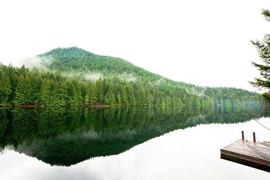 Garden Bay Lake by Kaishin Chu