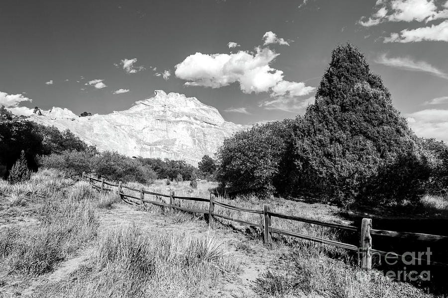 Garden Of The Gods White Mountain Photograph