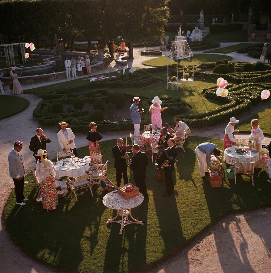 Garden Party Photograph by Slim Aarons