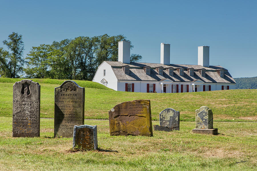 Garrison Cemetery at Fort Anne by Jurgen Lorenzen