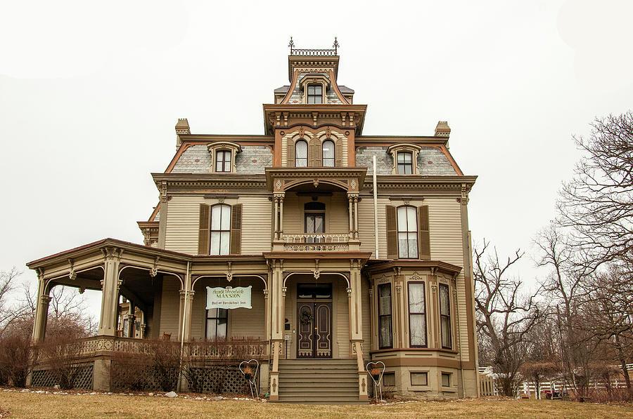 Garth Mansion by Steve Stuller