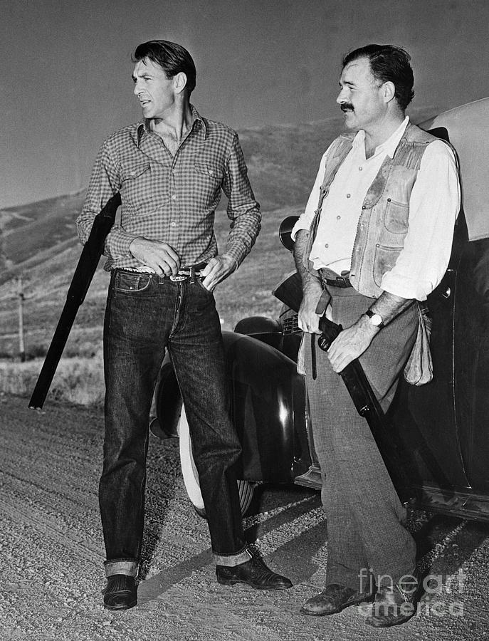 Gary Cooper Hunting With Ernest Photograph by Bettmann