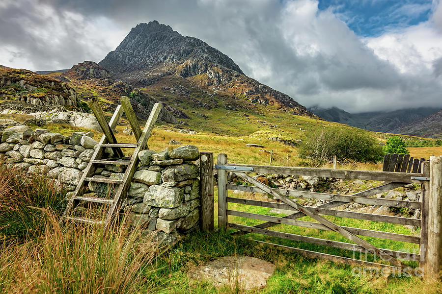 Tryfan Mountain Photograph - Gate To Tryfan East Snowdonia by Adrian Evans