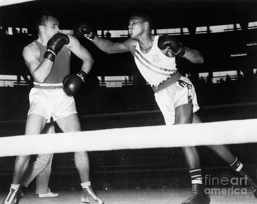 Gennady Schatkov And Muhammad Ali Photograph by Bettmann