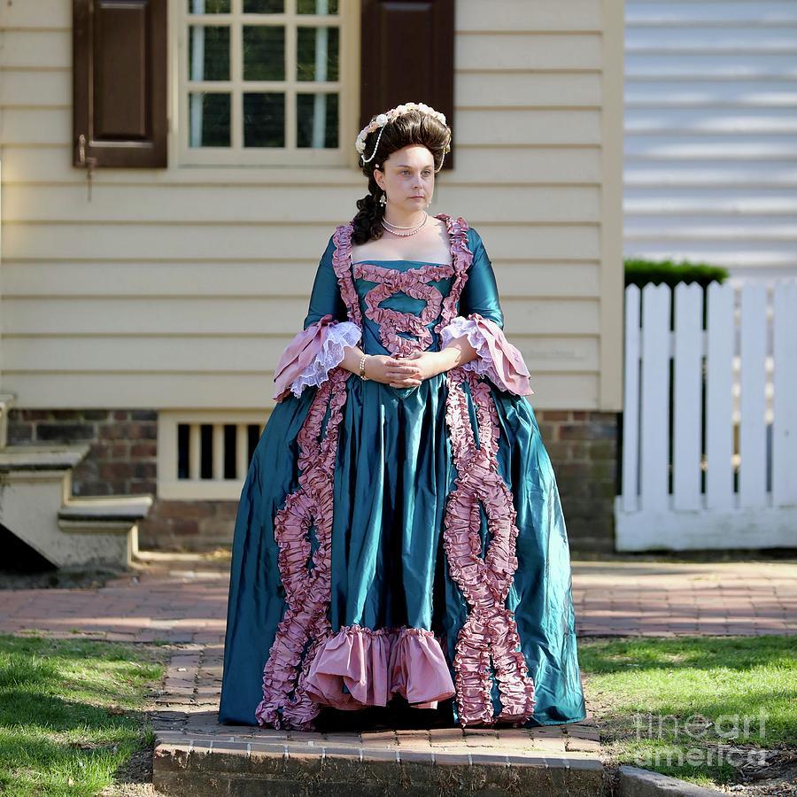 Genteel Lady  by Lara Morrison