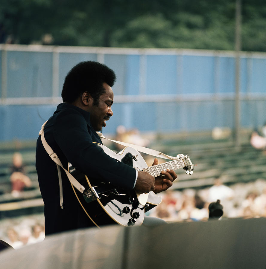 George Benson On Stage Photograph by David Redfern