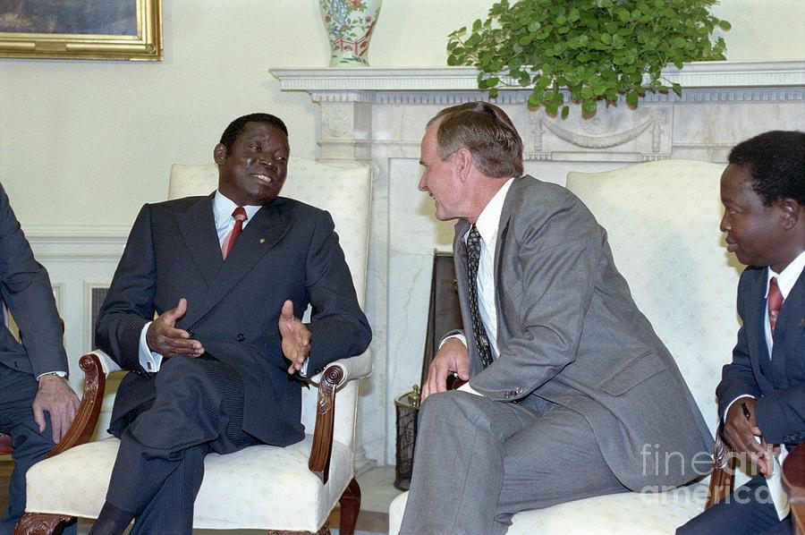 George Bush And President Gnassingbe Photograph by Bettmann