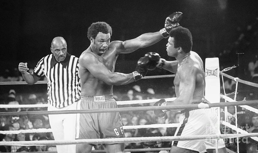 George Foreman Fighting Muhammed Ali Photograph by Bettmann