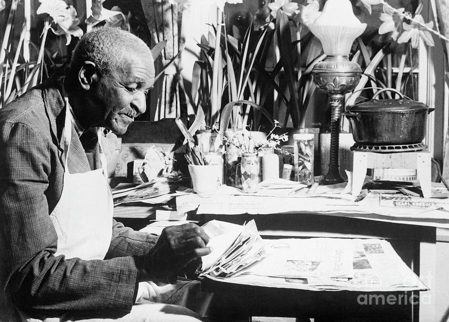 George Washington Carver Photograph by Bettmann