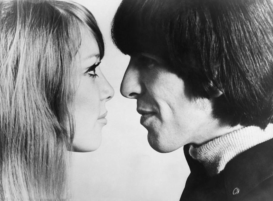People Photograph - Georges Harrison With The Model Pattie by Keystone-france