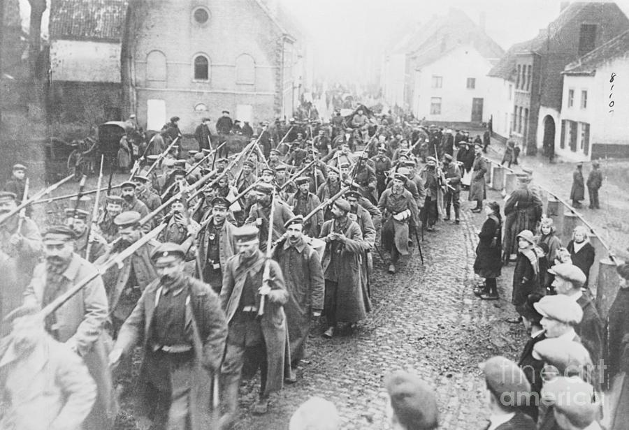 German Soldiers Marching Photograph by Bettmann