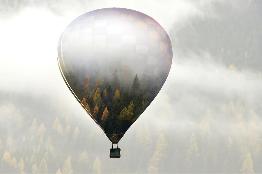 Balloon Photograph - Get Lost In The World by Eros Erika