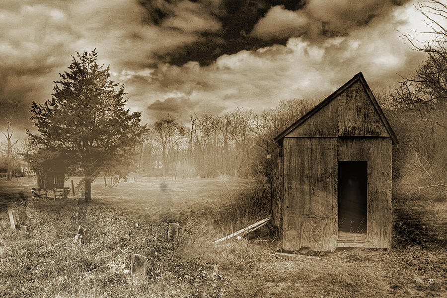 Ghosts of Manor Farm by Tom Romeo