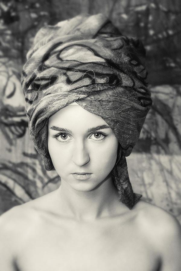 Girl #0839 by Andrey Godyaykin