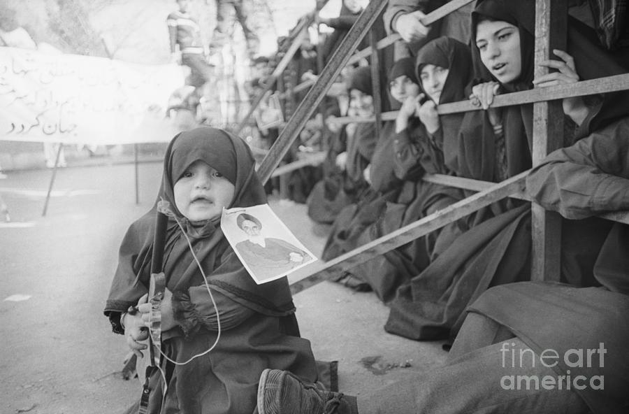 Girl With Toy Gun Photograph by Bettmann