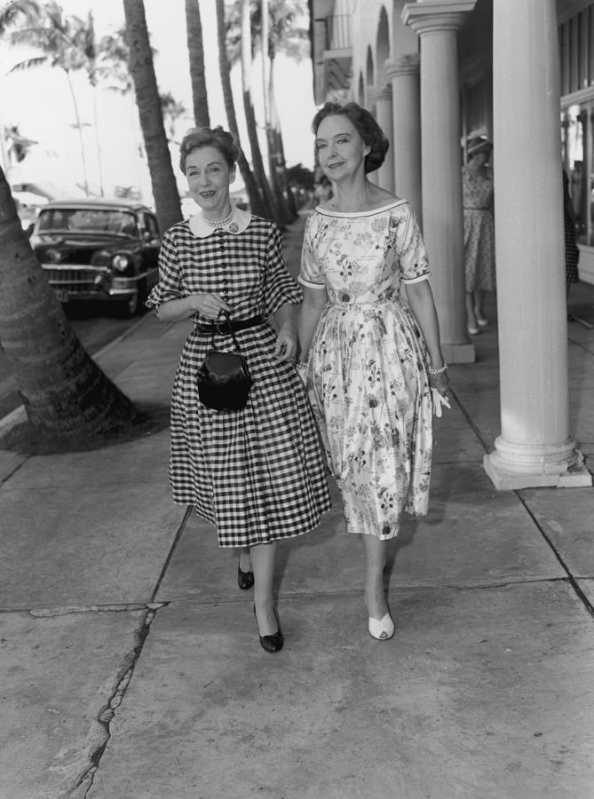 Gish Sisters Photograph by Bert Morgan