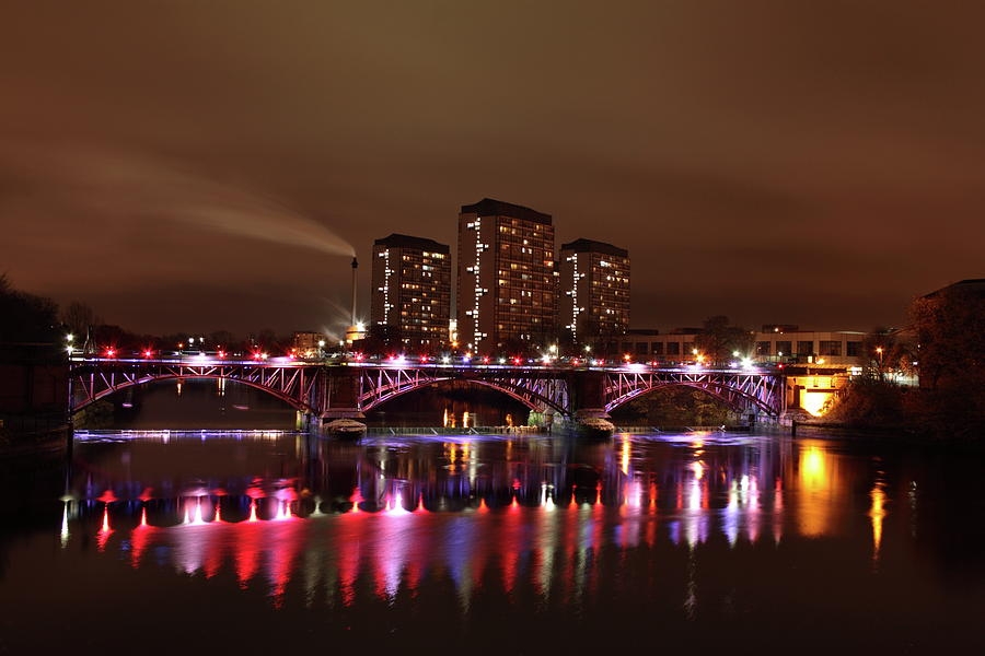 Glasgow Photograph - Glasgow Green by Alister Harper