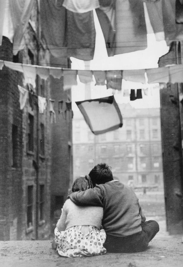 Glasgow Romance Photograph by Keystone