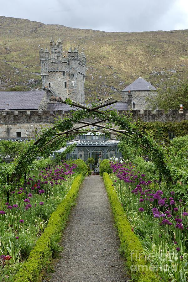 Glenveagh castle by Peter Skelton