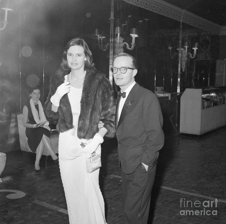 Gloria Vanderbilt And Truman Capote Photograph by Bettmann