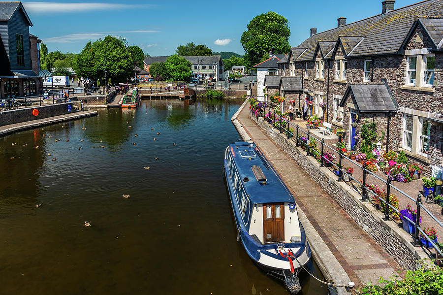 Glorious Brecon Canal Basin 2 by Steve Purnell