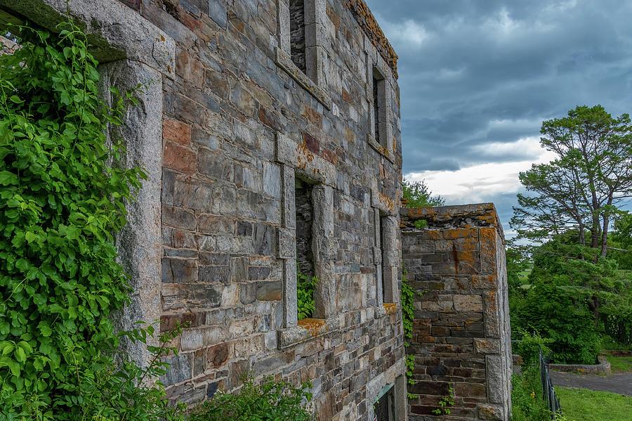 Goddard Mansion  by Tony Pushard