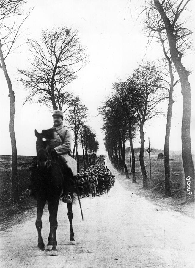 Going To The Front Photograph by Hulton Archive