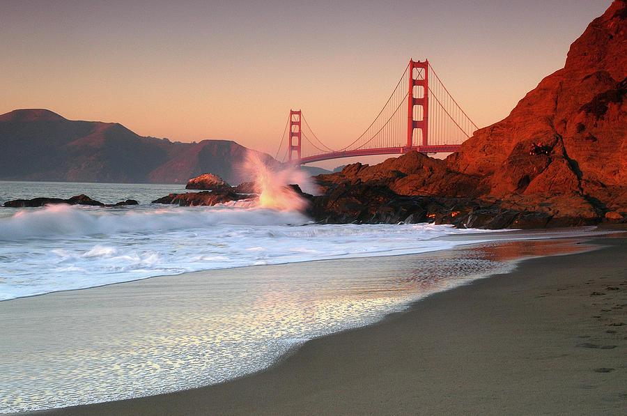 Golden Gate Bridge Photograph by William Chu