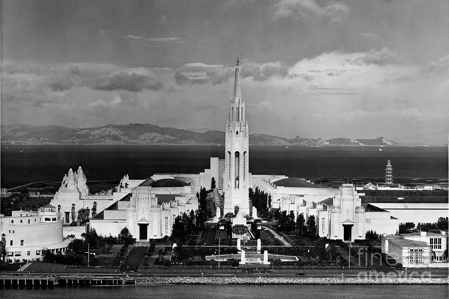 Golden Gate International Exposition 1939-1940 PPIE Treasure I by California Views Archives Mr Pat Hathaway Archives