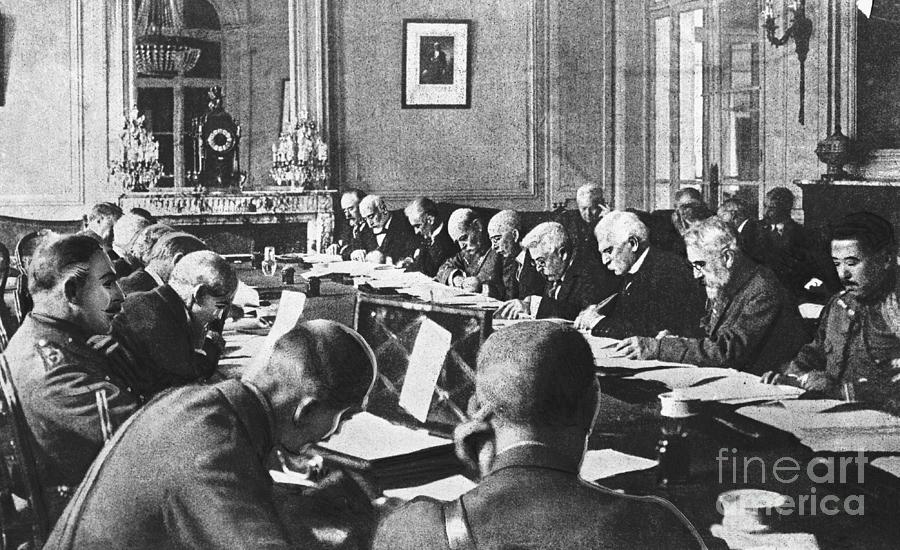 Government Officials Drafting The Terms Photograph by Bettmann