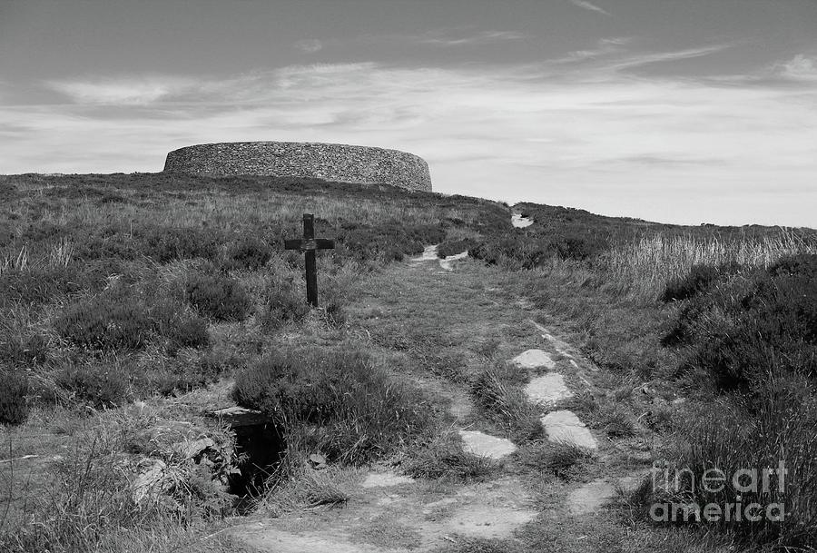 Grainan of Aileach Ringfort bw Donegal by Eddie Barron